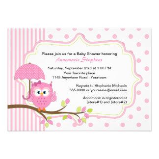 Rosa Eule mit Regenschirm-Mädchen-Babyparty Personalisierte Einladung