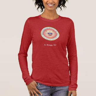Rosa Familien-Siegel im Dienst Langarm T-Shirt