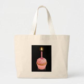 Rosa feenhafter Kuchenkleiner kuchen mit Geburtsta Tasche