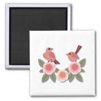 Rosa Finke auf rosa Pfingstrosen Quadratischer Magnet