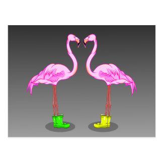 Rosa Flamingos, die Gumboots tragen Postkarte