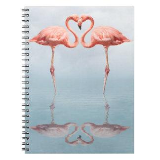 Rosa Flamingos im Liebe-Notizbuch Notizblock