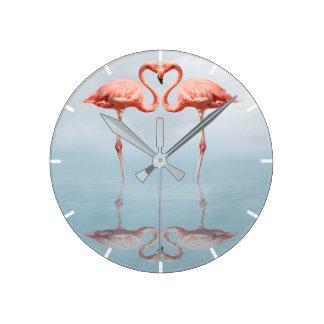 Rosa Flamingos in der Liebe-Wand-Uhr Runde Wanduhr