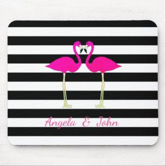 Rosa Flamingos, Schwarzes, weiße Streifen Mousepad