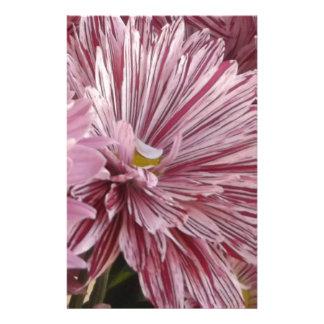 Rosa gestreifte Blume Briefpapier