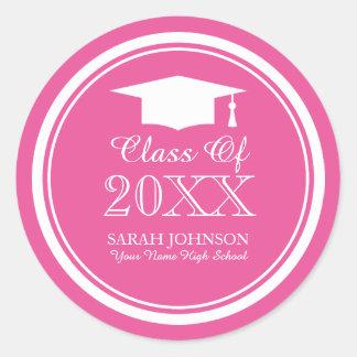 Rosa graduierte Partyaufkleber mit Abschlusskappe Runder Aufkleber