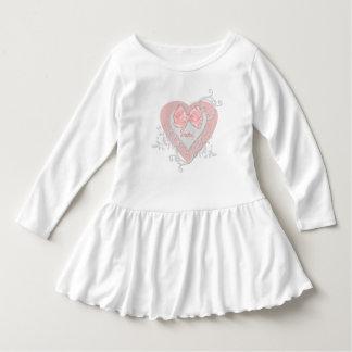 Rosa Herz mit Bogen-Bild fertigen besonders an Kleid