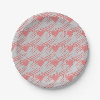 rosa Herzen auf Pappteller