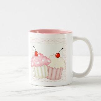Rosa kleine Kuchen Zweifarbige Tasse