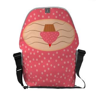 Rosa kleiner Kuchen mit Tupfen Kurier Tasche