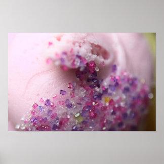 Rosa kleiner Kuchen mit ZuckerLeinwand-Druck Plakate