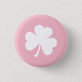 Rosa Knopf mit weißem irischem Kleeblatt Runder Button 3,2 Cm