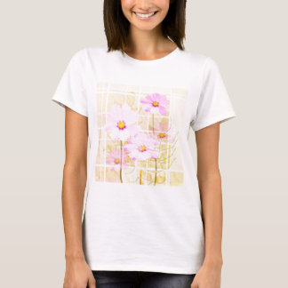 Rosa Kosmos cosmo Blumencreme-Gelbhintergrund T-Shirt