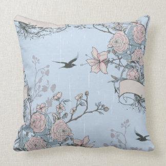 Rosa Lilien und Rosen auf blauem Throw-Kissen Kissen