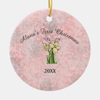 Rosa Marmorbaby-erstes Weihnachten Rundes Keramik Ornament