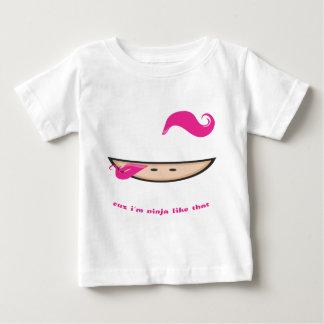 Rosa Ninja in der Dunkelheit Baby T-shirt