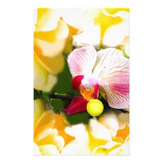 Rosa Orchidee mit Tennisball Briefpapier