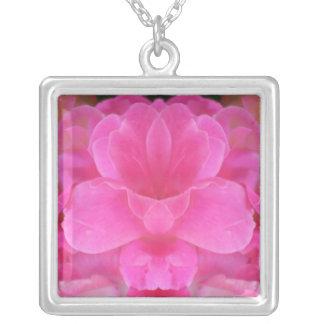 Rosa Rosemandala-Halskette Versilberte Kette