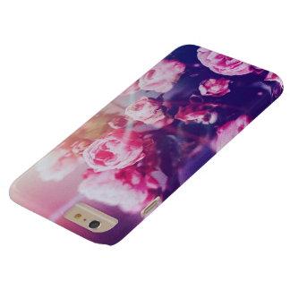 Rosa Rosen mit blauem Hintergrund iphone 6 Kasten Barely There iPhone 6 Plus Hülle