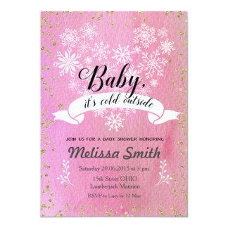 Rosa Schneeflocke-Baby ist es kalte äußere Karte