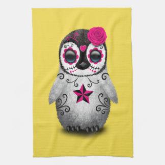 Rosa Tag des toten Baby-Pinguins Handtuch