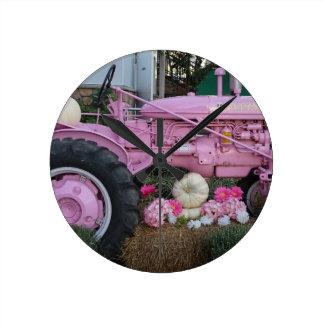 Rosa Traktor Runde Wanduhr