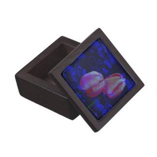 Rosa Tulpe-Blumen-blaue Herz-Blumenkunst Kiste