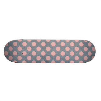 Rosa Tupfen auf grauem ledernem Druck Bedruckte Skateboarddecks
