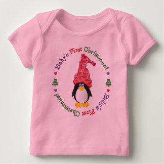 Rosa u. das erste Weihnachten des Purpl Baby T-Shirt