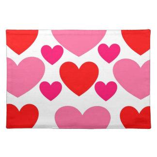 Rosa u. roter Herz-Entwurf Stofftischset