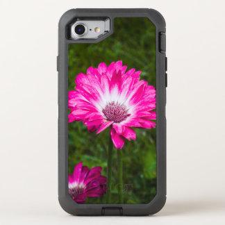 Rosa u. weißes Gerbera-Gänseblümchen in der Blüte OtterBox Defender iPhone 8/7 Hülle