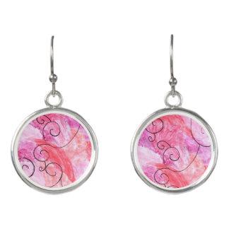 rosa und lila Hintergrund mit Akzentohrringen Ohrringe