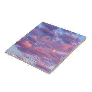 Rosa und lila Wolken Keramikfliese