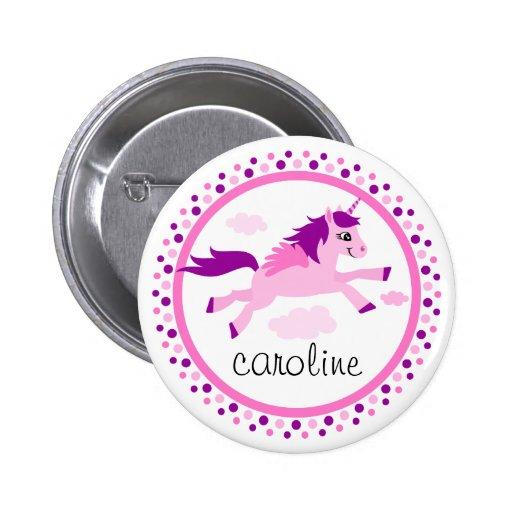 Rosa Unicorn mit personalisiertem Namen der Flügel Anstecknadelbuttons
