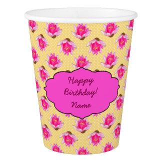 Rosa Wasser-Lilien-gelbe Tupfen Pappbecher