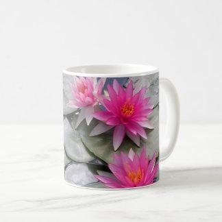Rosa Wasser-Lilien Kaffeetasse