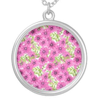 Rosa Watercolorpetunie-Blumenmuster Versilberte Kette