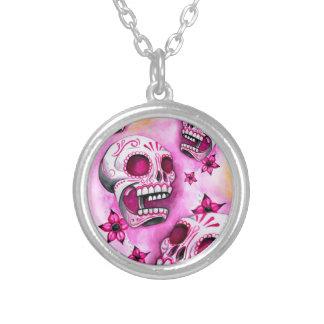 Rosa Zuckerschädel-runde silberne Halskette