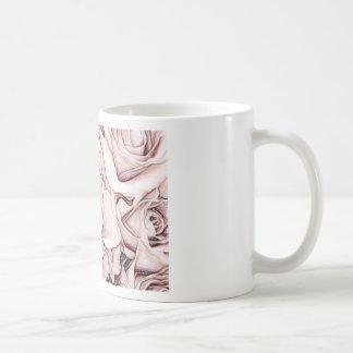 Rosen, auf einer klassischen Schale Tasse