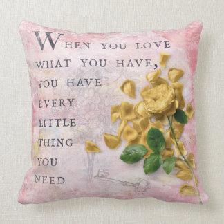 Rosen-Blumen mit kluger Sprichwort-rosa Klugheit Kissen