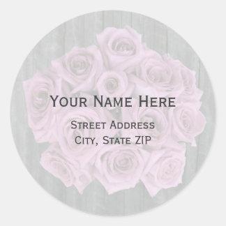 Rosen-Blumenstrauß und Barnwood Adressen-Etikett Runder Aufkleber
