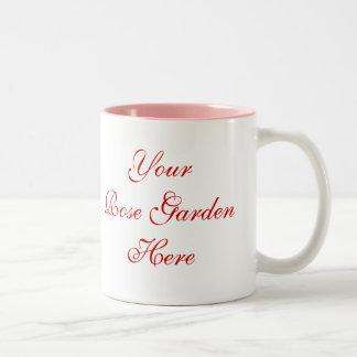 Rosen-Gärtner-Sprichwort mit Rosen Zweifarbige Tasse