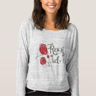 Rosen sind rotes Kalligraphiegraphikt-stück T-shirt
