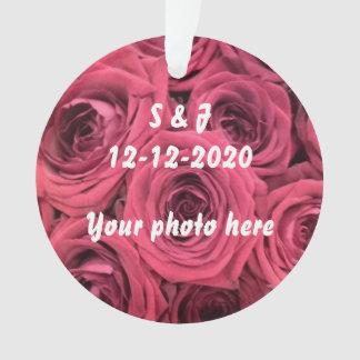 Rosenanfangsverzierungsthema für wedding ornament