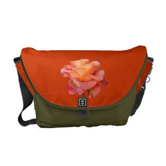 Rosenrosa, Mandarine, Moos-Blume Bote-Tasche Kurier Taschen