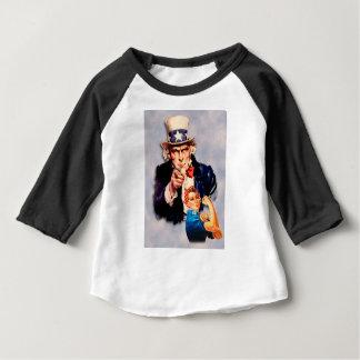 Rosie der Nieteneinschläger- u. Sam- Entwurf Baby T-shirt