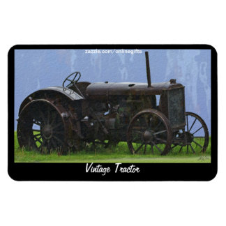 Rostiger antiker Traktor im Regen-Kunst-Magneten Flexible Magnete