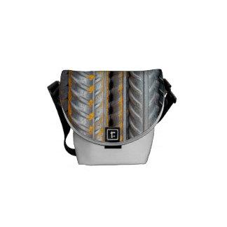 Rostiges Stahlstrichmuster Kurier Tasche