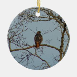 Rot angebundener Falke Keramik Ornament
