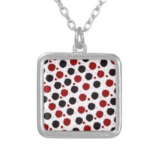Rot-und Schwarz-Spritzen-Punkte Versilberte Kette